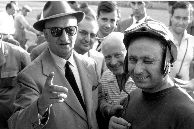 En 1956, el único año que integró el equipo, Juan Manuel Fangio logró su cuarto título de la F1 con la Lancia-Ferrari D50.