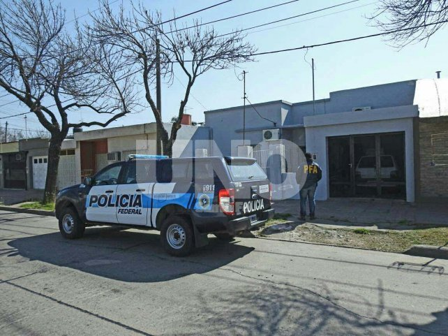 El frente de la vivienda donde fue ejecutado el allanamiento