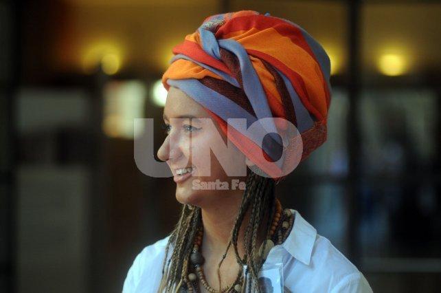 Lookeados. Muchos de los participantes asisten con vestimenta acorde a la cultura y tradición del país que representan.