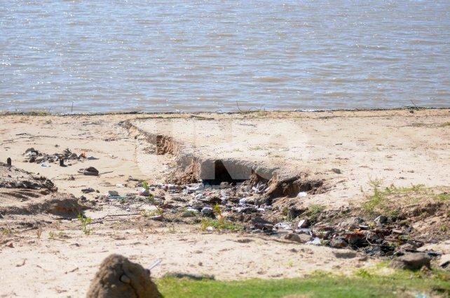 Costanera Este. La playa espera trabajos de limpieza antes del 15 de noviembre, fecha de inicio de temporada.