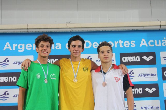 Representando a Regatas, Leo se impuso en los 200 metros pecho en el último Torneo de la República