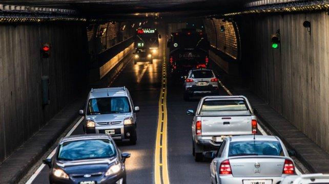 Gran afluencia de tránsito. Durante el fin de semana, el cruce a través del Túnel, se incrementó notablemente debido a Tecnópolis