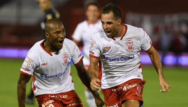 El Globo gana y evita la zona de descenso — Huracán-Unión