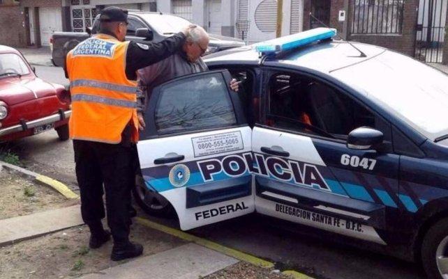 <b>Trasladado</b>. El martes, el médico fue identificado en la Policía Federal de Santa Fe y luego llevado a Comodoro Py, en Buenos Aires.