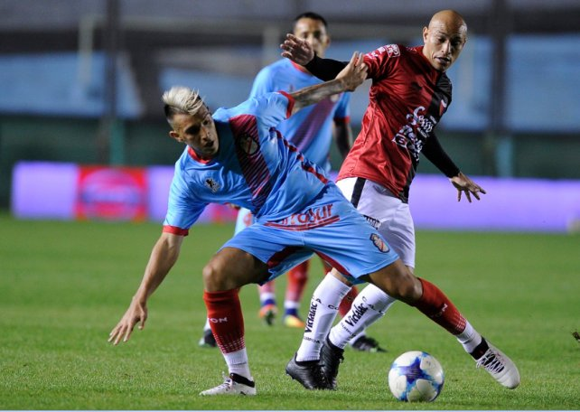 Colón hundió todavía más al débil Arsenal