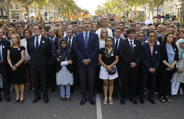<div>Para la tribuna. El jefe del gobierno español, Mariano Rajoy, y el rey Felipe VI.</div><div><br></div><div></div>