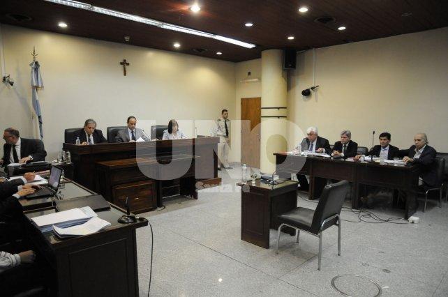 El juicio comenzó pasadas las 9.30 en Primera Junta y San Jeronimo.