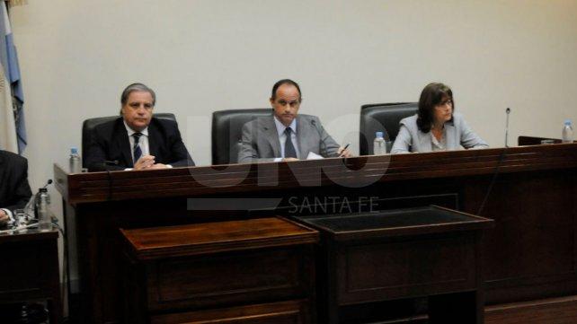 El tribunal compuesto por Luciano Lauría, José María Escobar Cello y María Ivón Vella